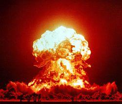 Bola de fuego de una detonación en la zona de pruebas de Nevada con un rendimiento de 23kT